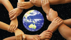 hands-around-globe-australia