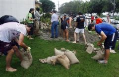 filling-sand-bags